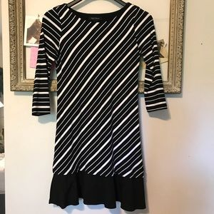 WHBM black & white 3/4 sleeve dress size small